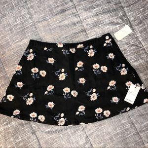 Dresses & Skirts - ❄️ Denim Floral Mini Skirt ❄️